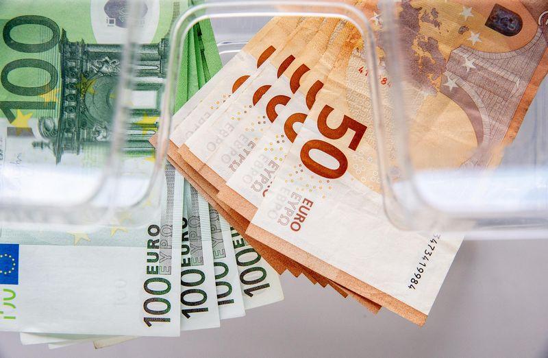 Atsikvėpti leidžia ECB, bet ne Lietuvoje veikiantys bankai. Juditos Grigelytės (VŽ) nuotr.