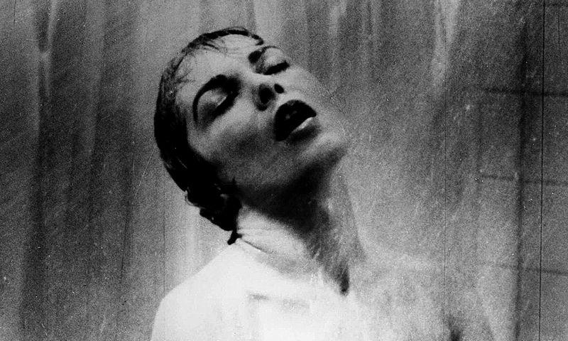 """1960 m. pasirodęs Alfredo Hitchcocko filmas """"Psichopatas"""" tęsė kūrybiškai iškiliausią laikotarpį režisieriaus karjeroje.  """"AP""""/""""Scanpix"""" nuotr."""
