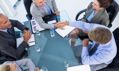 Artimas lyderių ryšys su darbuotojais gali atsirūgti