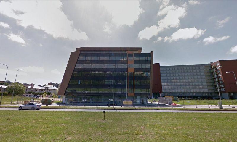 """Biurų pastatas """"Trapecija"""". """"Google Maps"""" nuotr."""