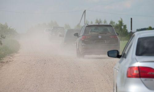 Žvyrkelių asfaltavimui papildomai skyrė 10 mln. Eur