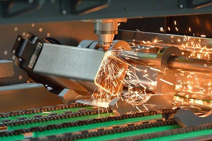 Į Lietuvą atveža greičiausias lazerines stakles metalui pjaustyti