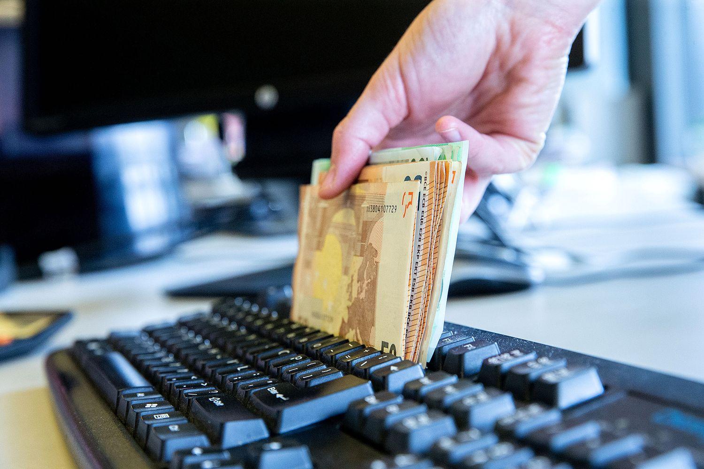 Turtingiausi Lietuvos bankų klientai: jų investiciniai norai ir asmeniniai įgeidžiai