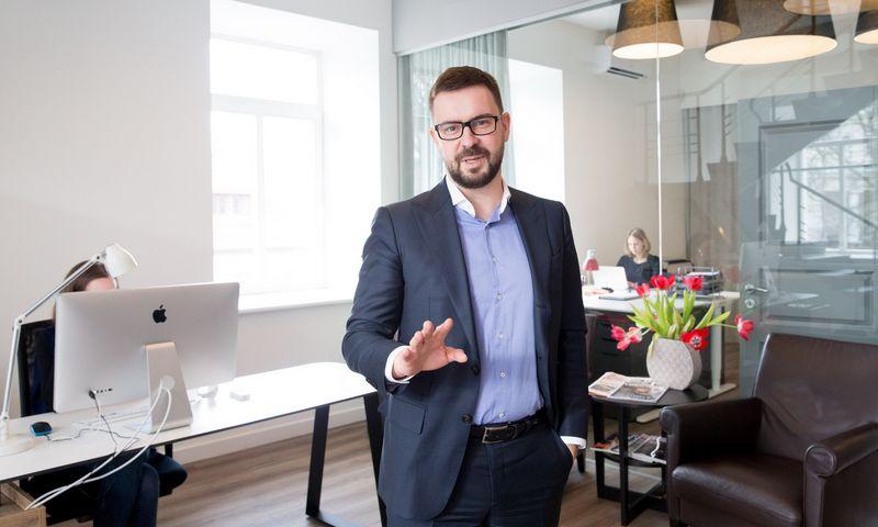 """Šarūnas Dyburis, konsultacijų ir personalo paieškos UAB """"AIMS International Lietuva"""" vadovaujantis partneris. Juditos Grigelytės (VŽ) nuotr."""