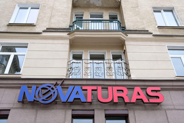 """Kritus keliautojų skaičiui, """"Novaturo"""" apyvarta kovą sumenko 2%"""