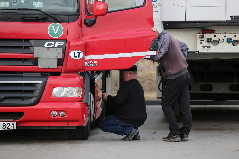 Ministras L. Kukuraitis vairuotojams dienpinigius siūlo mokėti, jeigu jų alga sieks 2 MMA