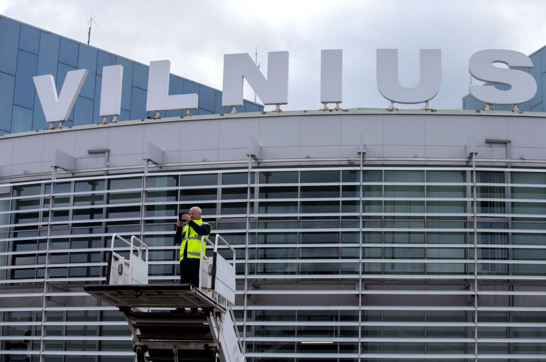 Šalies oro uostuose – daugiau skrydžių ir keleivių