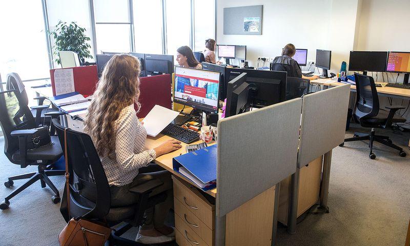 """Robotizuoti vidinius procesus """"PwC"""" biuras Lietuvoje pradėjo prieš porą metų. Juditos Grigelytės (VŽ) nuotr."""