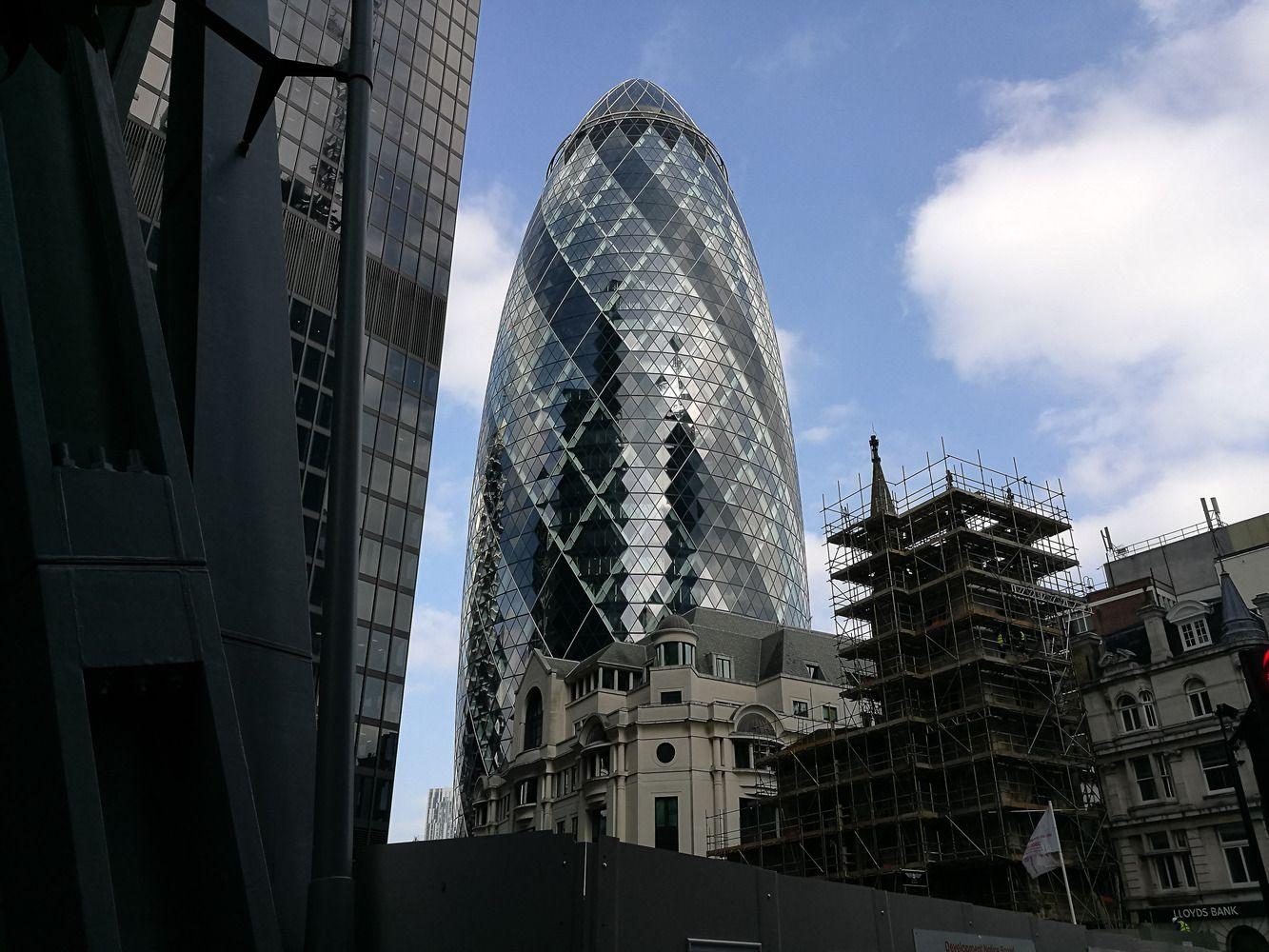 Londono si�io bankai kelia sparnus
