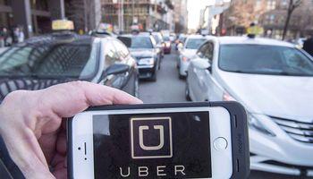 """""""Uber"""" ateina į biržą: Lietuvos analitikų verdiktas, ar verta investuoti"""