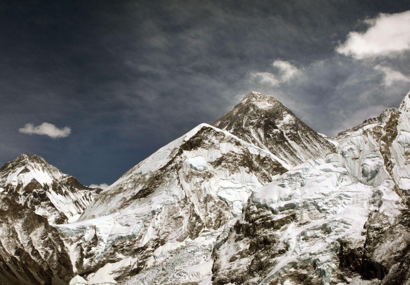 Nepalas matuos, ar nenutrup�jo Everesto vir�ukaln�