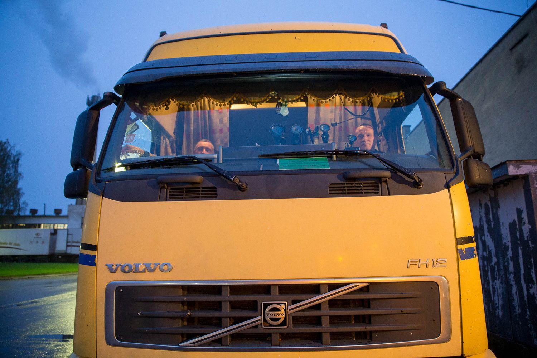 Vairuotojų ir vežėjų atstovai sutarė derėtis dėl atlyginimų