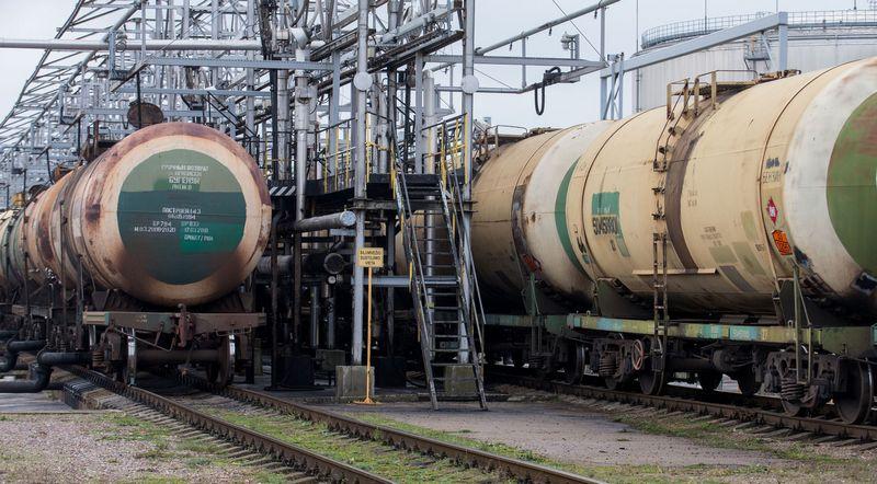 """""""Klaipėdos naftos"""" naftos terminalo geležinkelio estakada. Juditos Grigelytės (VŽ) nuotr."""