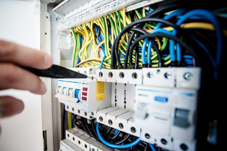 ESO kuriama inovacija turėtų padėti atbaidyti piktavalius ir didinti elektros tinklo patikimumą