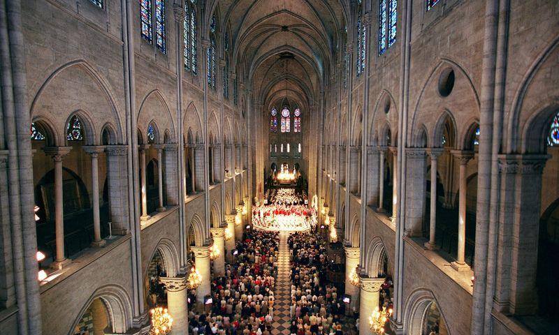 """Ekspertai sako, kad naujausios technologijos pasitarnaus atstatant Paryžiaus Dievo Motinos katedrą, tačiau jas naudojant nereikėtų persistengti. Pierre-Franck COLOMBIER (""""AFP""""/""""Scanpix"""") nuotr."""
