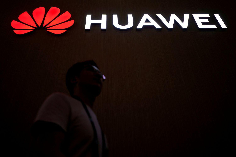 """JK leis """"Huawei"""" tiekti 5G ryšio įrangą"""