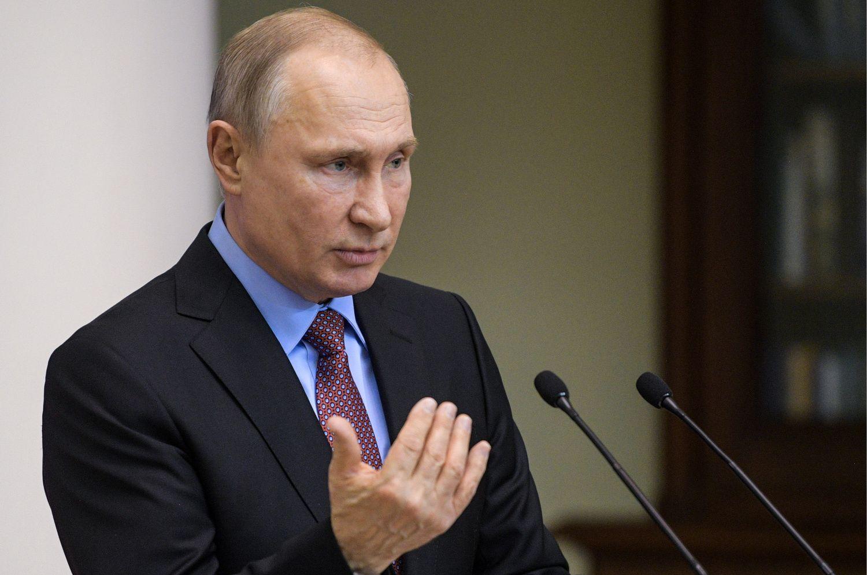 V. Putinas pasirašė įsaką dėl pasų išdavimoDonbaso gyventojams
