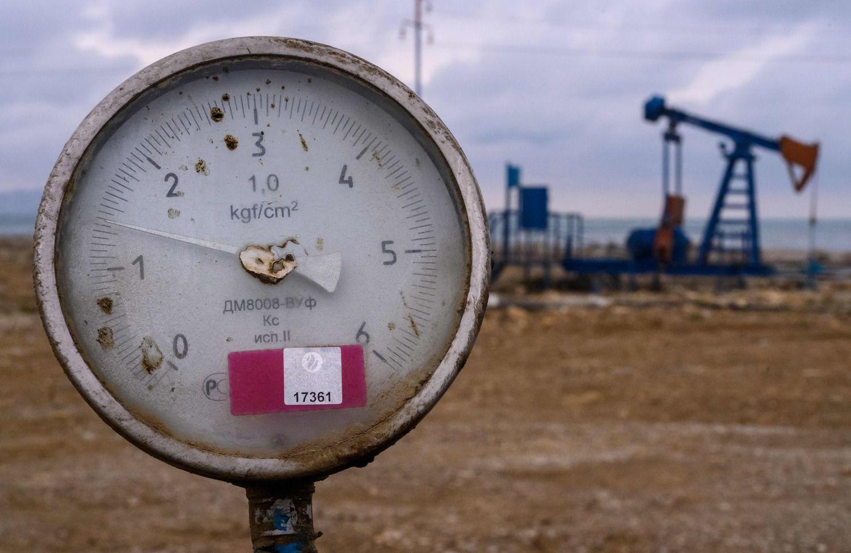 Naftos kainos atsitraukė nuo pusmečio aukštumų