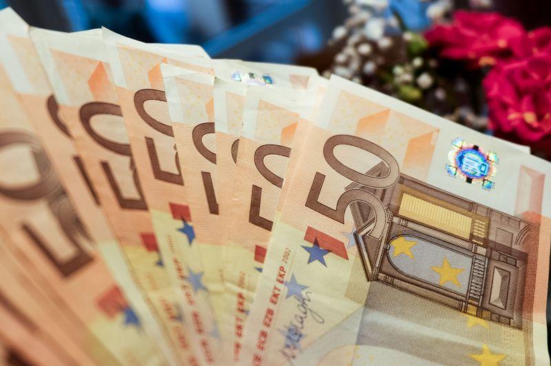 Dabar MMA į rankas siekia beveik 400 Eur, kitąmet ji gali padidėti iki 435 Eur. Vladimiro Ivanovo (VŽ) nuotr.