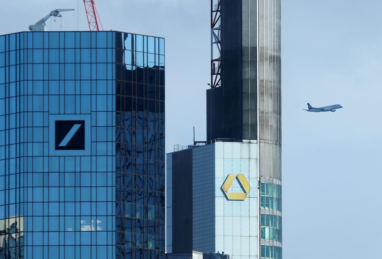 """Atsisakyta """"Deutsche Bank"""" ir """"Commerzbank"""" jungtuvių"""