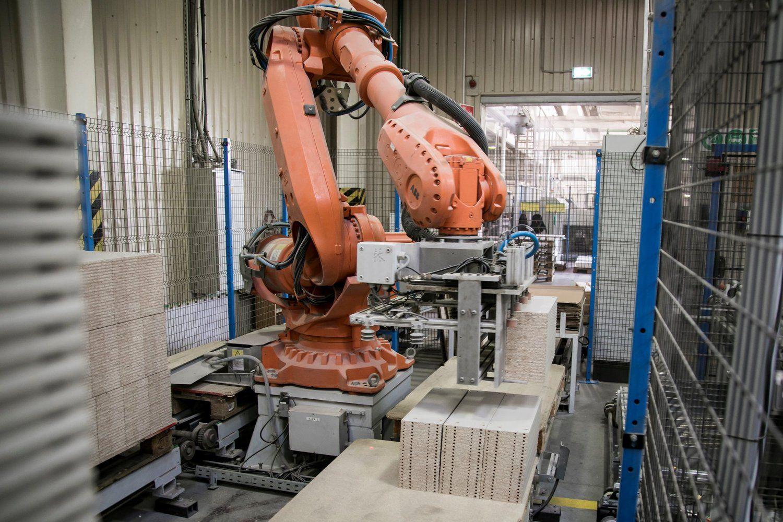 SBA baldų sektoriaus planas – 18 robotų ir naujos baldų šeimos