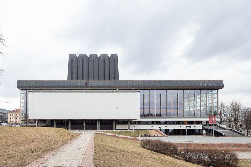 """Galimybės surengti ekskursiją po Lietuvos nacionalinį operos ir baleto teatrą """"Open House Vilnius"""" organizatoriai laukė penkerius metus. Norberto Tukaj nuotr."""