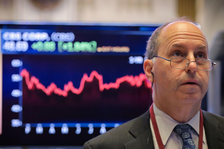 Krizės pamokos: pelningai investuoti, kaupti pensijai gali tik įveikę panikos priepuolius