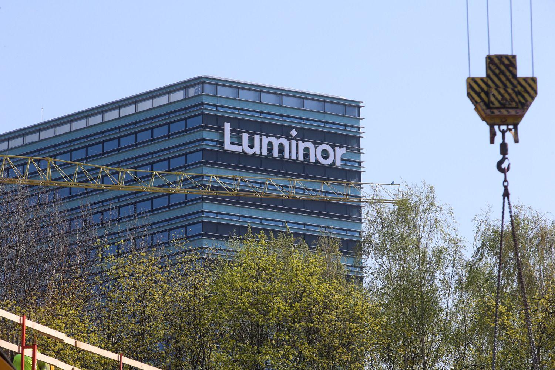 """""""Luminor"""" skyriai nuo liepos nepriims ir neišduos grynųjų pinigų"""