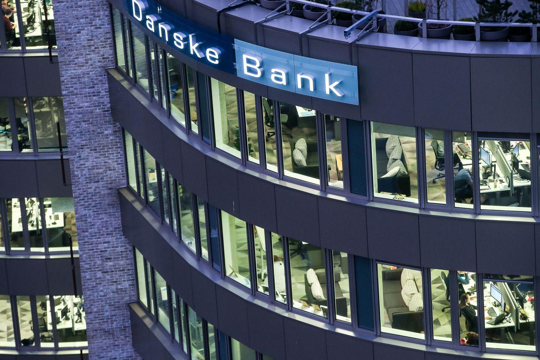 """Danske Bank"" pelnas krito 39%"