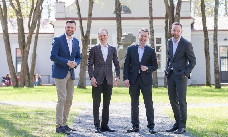 """UAB """"Practica Capital"""" partneriai iš kairės: Arvydas Bložė, Donatas Keras, Tomas Andriuškevičius ir Silvestras Tamutis. Juditos Grigelytės (VŽ) nuotr."""