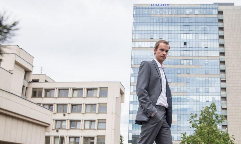 """Donatas Šetikas, UAB FMĮ """"Orion Securities"""" vyresnysis finansų makleris. Juditos Grigelytės (VŽ) nuotr."""