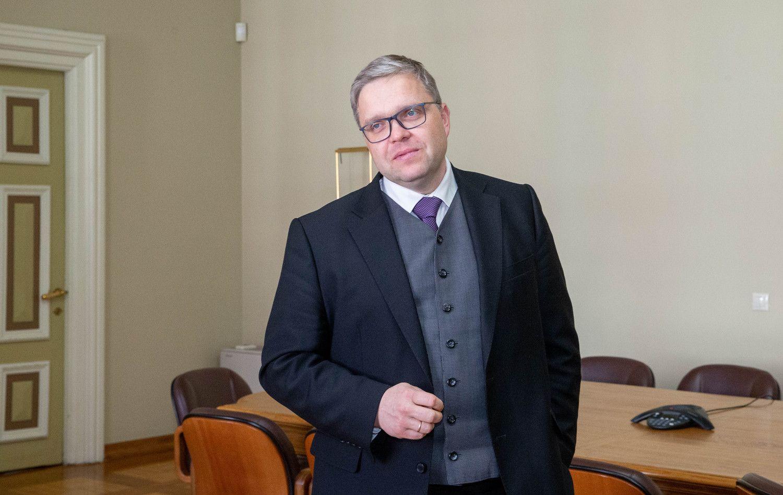 S. Jakeliūno veiklą V. Vasiliauskas prilygino beprasmiam Paryžiaus katedros gaisrui
