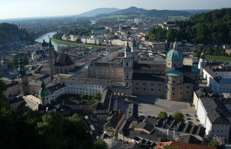 Zalcburgas didina turistinių autobusų įvažiavimo mokestį