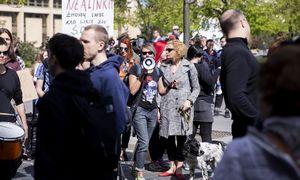 Keli šimtai žmonių Vilniuje reikalavo lygių teisių