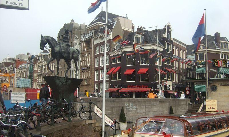 Specialiosios pajėgos Amsterdame ėmėsi kodo peržiūros. Rasos Dževeckytės (VŽ) nuotr.