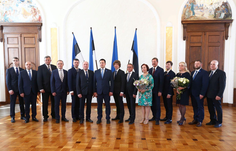 Iš vos prisiekusios Estijos vyriausybės jau atsistatydino ministras