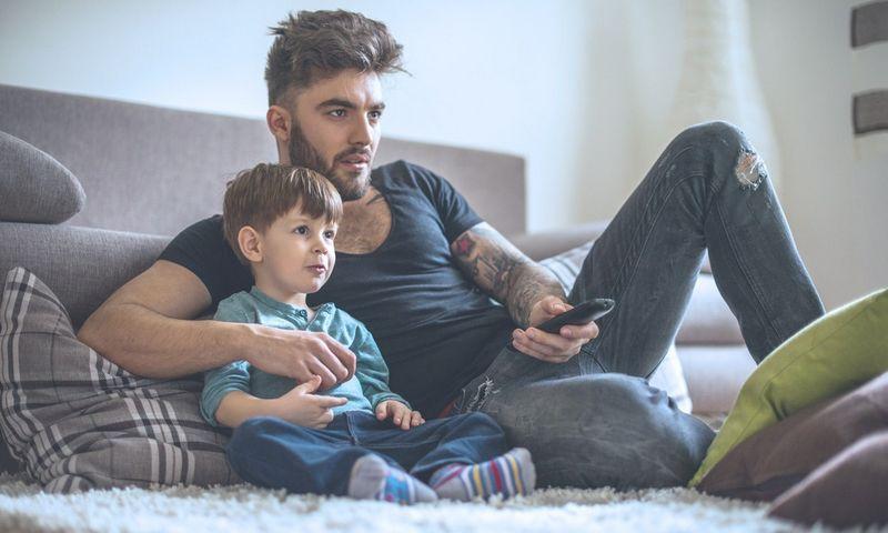 HiTV sujungs eteriu transliuojamą televiziją su internetine platforma, per kurią žiūrovas galės pasiekti televizijų mediatekas, archyvus ir kitą turinį, platinamą internete.
