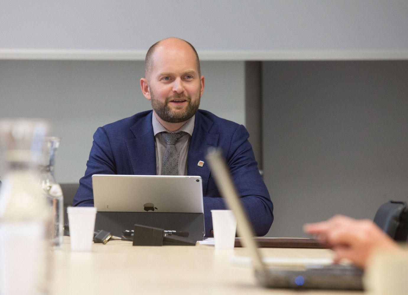 Kelių direkcija už 2,4 mln. eurų perka elektroninę kelių duomenų sistemą