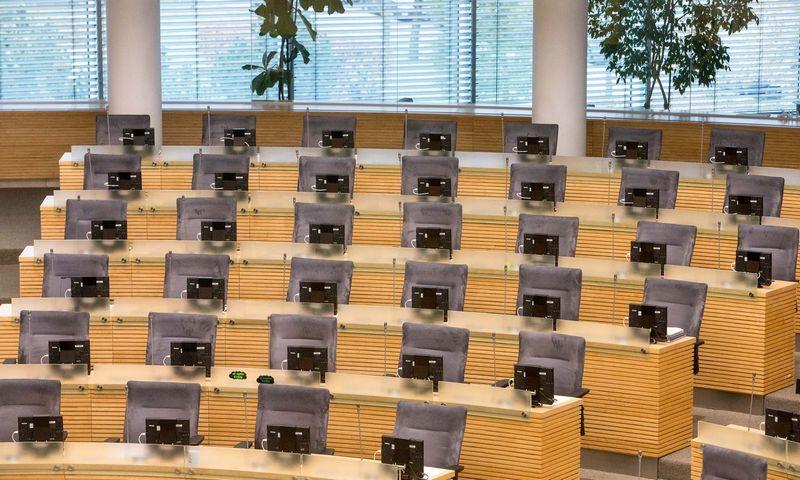 Jeigu gegužės 12 d. referendumas bus sėkmingas, nuo 2020 m. rudens Seimo salėje liks 20-čia kėdžių mažiau. Juditos Grigelytės (VŽ) nuotr.