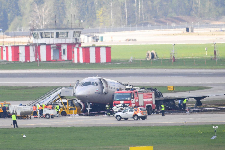 """Atšaukti """"Sukhoi"""" lėktuvų skrydžiai iš Maskvos į Vilnių"""