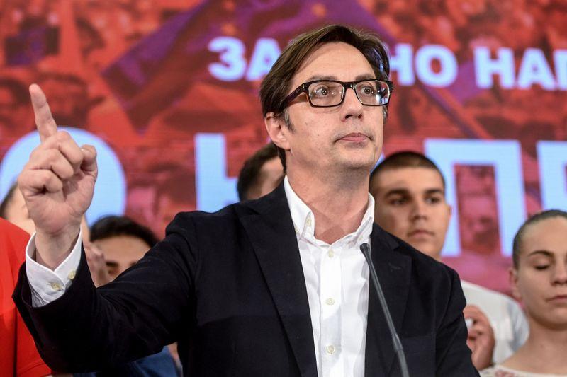 """Šiaurės Makedonijos prezidento rinkimuose pirmauja Stevo Pendarovskis. Boris Grdanoski (AP/""""Scanpix"""") nuotr."""