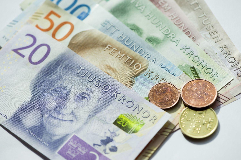 Švedijos krona euro atžvilgiu pigiausia per dešimtmetį