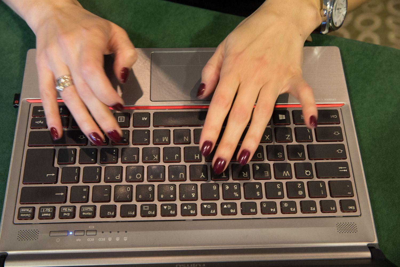 Dėl technologijų pažangos moterims kyla didesnė grėsmė prarasti darbą