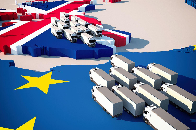 """Nerimas dėl """"Brexit"""" sukėlė prekių pervežimų į JK sprogimą"""