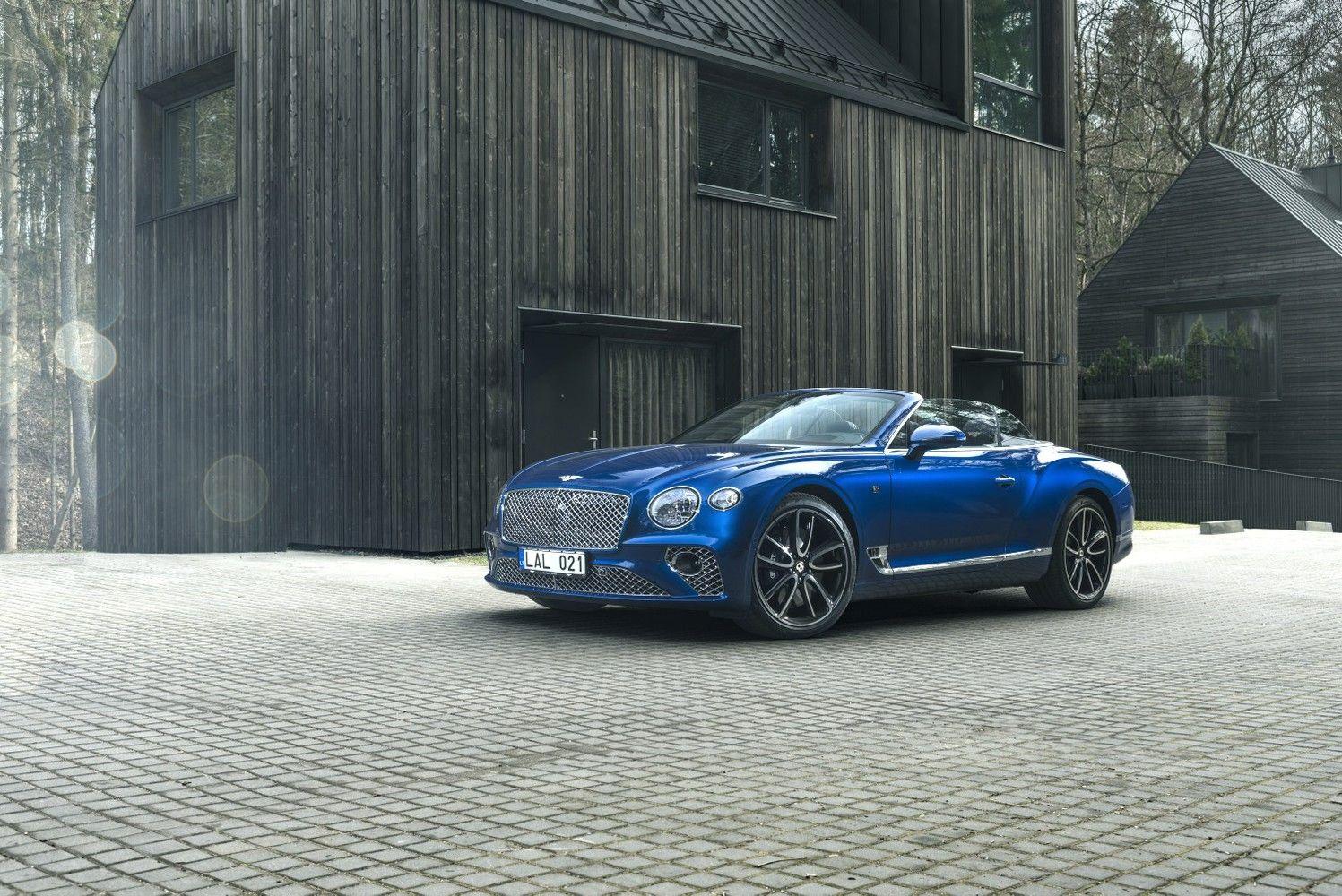 """""""Bentley"""": su niekuo nesupainiojama prabanga ant ratų"""