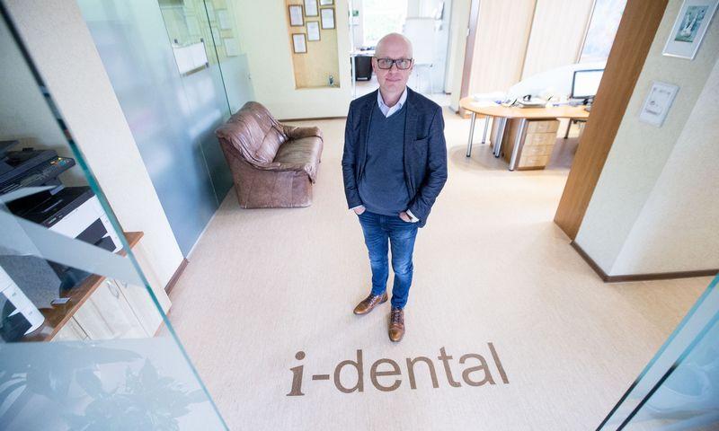 """Gintaras Dapkus, UAB """"Medicinos linija"""", dirbančios su prekės ženklu """"i-dental"""", direktorius: """"Užsakymų turime 4–5 mėnesiams į priekį, bet pajėgumus riboja dabartinės patalpos."""" Juditos Grigelytės (VŽ) nuotr."""