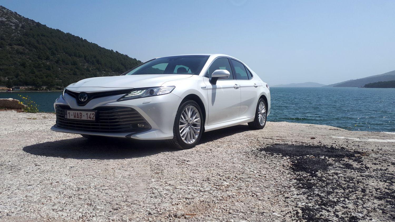 """VŽ bando: į Europą sugrįžo """"Toyota Camry"""" sedanas"""