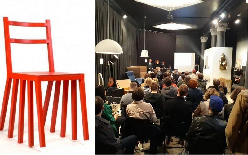 """Pauliaus Vitkausko 2006 m. sukurtos kėdės """"Ku-dir-ka"""" kainą pirkėjai kėlė šešis kartus. Vilniaus aukciono nuotr."""