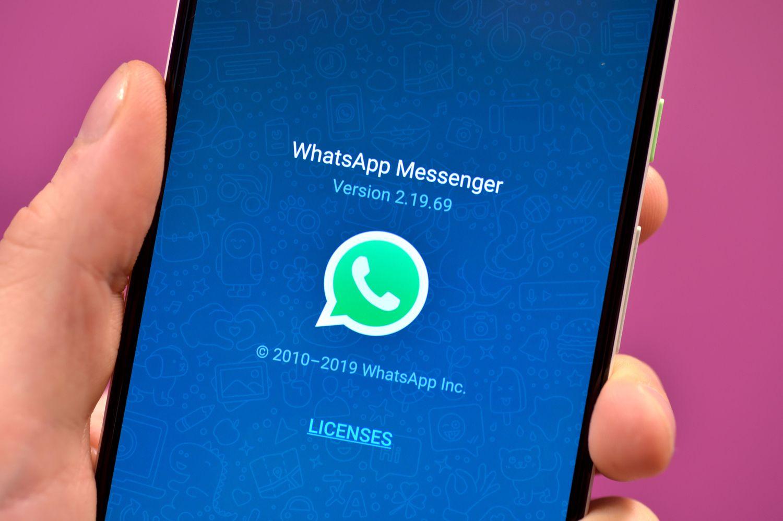 """""""WhatsApp"""" patyrė programišių ataką"""