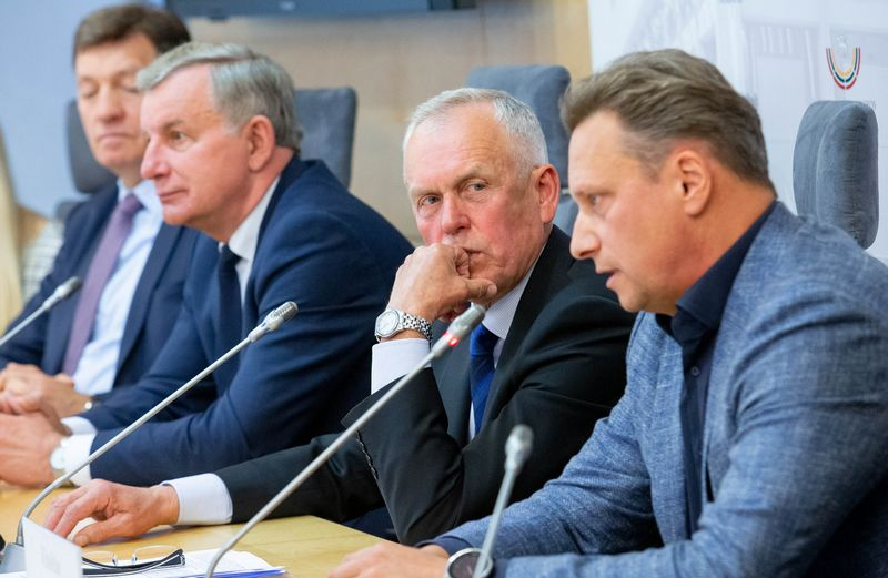 Iš kairės: Algirdas Butkevičius, Rimantas Sinkevičius, Rimantas Didžiokas ir Vitoldas Milius. Juditos Grigelytės (VŽ) nuotr.